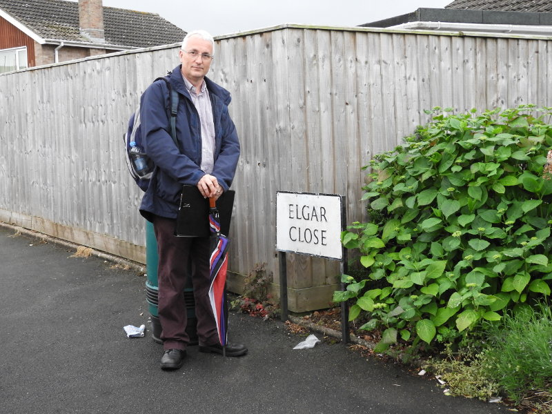 Elgar Close and Sine Nomine director, Chris Walledge