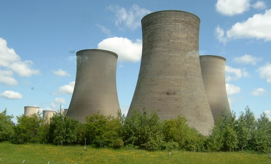 The cooling towers of Didcot Power Station. Photo credit: zootalures CC BY-SA 3.0 via Wikimedia Commons.