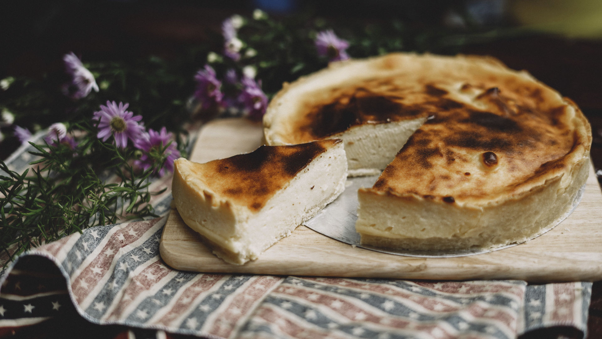 Sharing the pie. Photo credit: Chinh Le Duc on Unsplash.