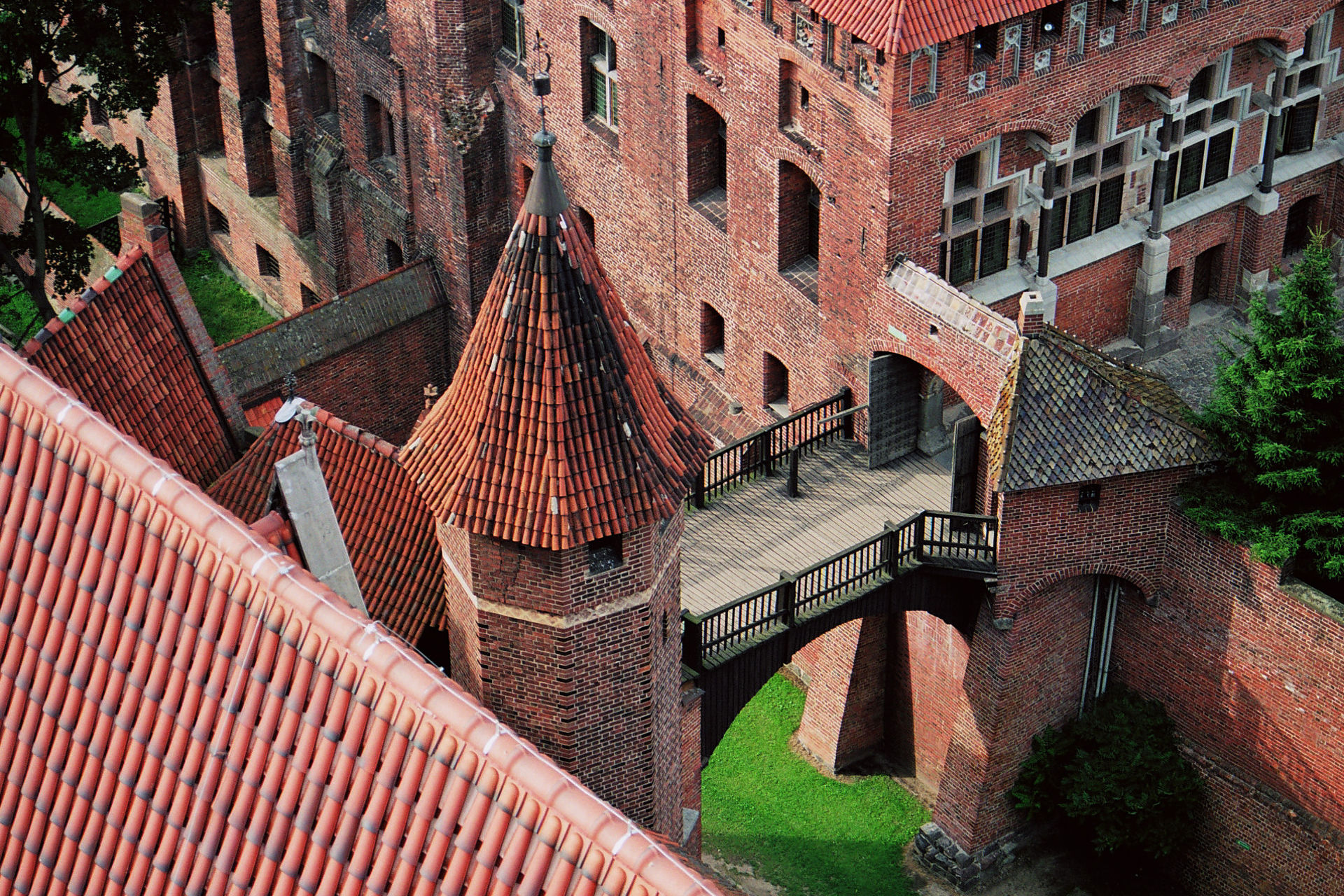Malbork Castle. Photo credit: Pawe³ Windys via Free Images.