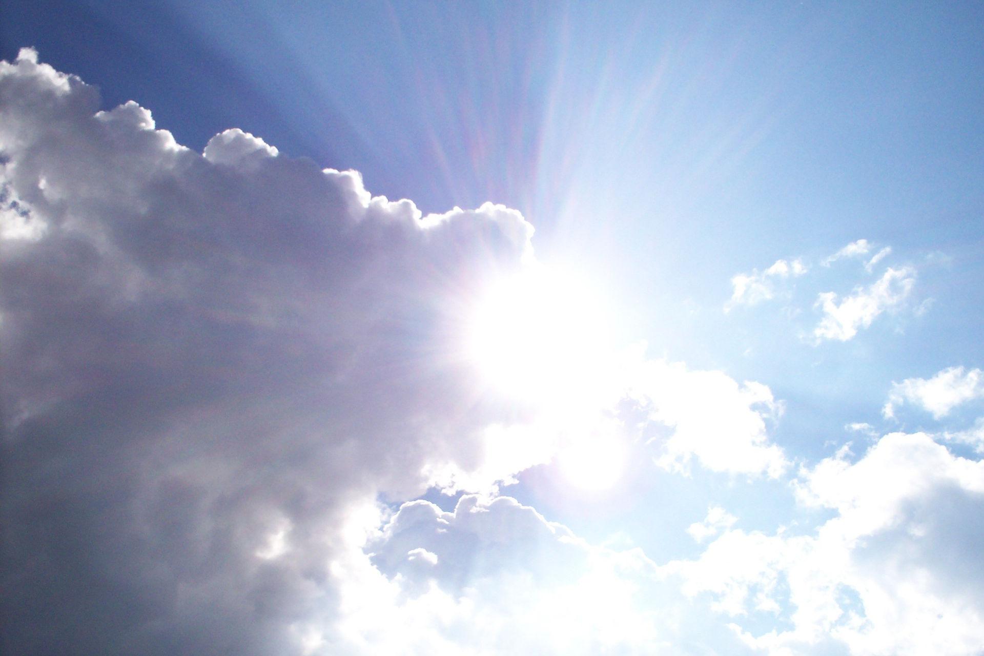 Sunshine. Photo credit: Izelle Bakker on Free Images.